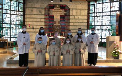 Sechs neue Messdienerinnen und Messdiener für St. Oliver